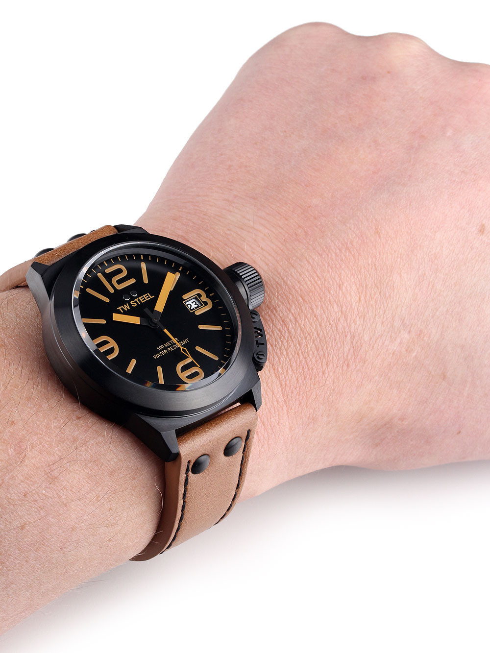 TW Steel CS41 Canteen Leather 45mm 10 ATM